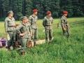 Przylot przełożonych na Zgrupowanie Wspinaczkowe po środku Dca 56 ks M. Demczuk obok sierż. Foluszewski i kpt. Gajewski.