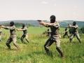 1992 r. - trening z pistoletem w czasie zgrupowania wspinaczkowego w Spalonej - Kotlina Kłodzka