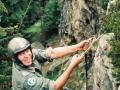 Wspinaczka na Narożnik z wykorzystaniem przyrządów tzw. małpa - na zdjęciu ppor. Borkowski - 1992 r.
